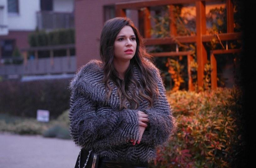 """Karolina Sawka, znana z filmu """"W pustyni i w puszczy"""" aktorka, którą od ponad roku można oglądać w """"M jak miłość"""", będzie grać w kolejnym serialu. Właśnie dostała rolę w """"Pierwszej miłości""""."""