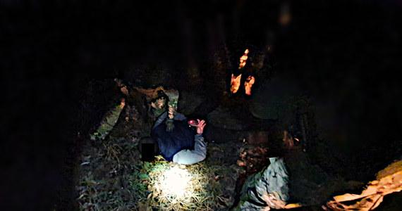 Prokuratura Okręgowa w Opolu prowadzi śledztwo ws. wytwarzania znacznej ilości amfetaminy. Głównymi podejrzanymi są zatrzymani w lesie przez funkcjonariuszy dwaj mieszkańcy gminy Dobrzeń Wielki.