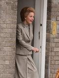 "Gillian Anderson jako Margaret Thatcher w ""The Crown"""