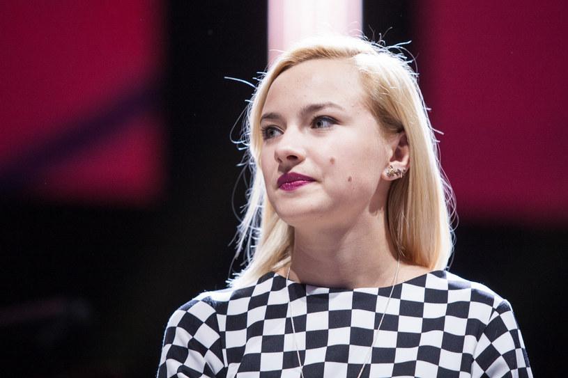 Natalia Nykiel zażartowała z domniemanego projektanta mody, Christiana Paula. Zrobiła to przy okazji premiery nowego singla.