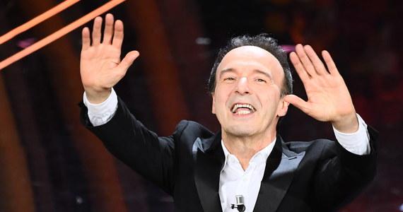4,5 miliona widzów włoskiej telewizji RAI obejrzało występ aktora, reżysera, zdobywcy Oscara Roberto Benigniego na festiwalu piosenki w San Remo. Tematem jego monologu była biblijna Pieśń nad Pieśniami.