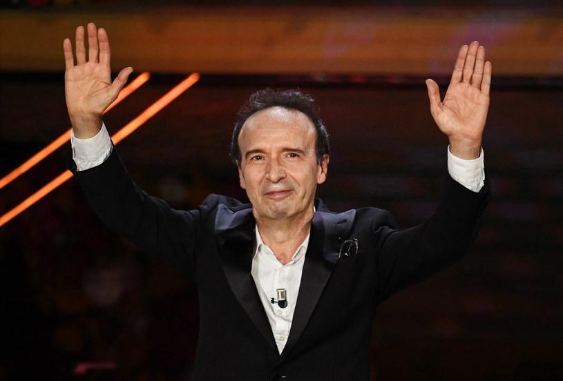 4,5 miliona widzów włoskiej telewizji RAI obejrzało występ aktora, reżysera, zdobywcy Oscara Roberta Benigniego na festiwalu piosenki w San Remo. Tematem jego monologu była biblijna Pieśń nad Pieśniami.