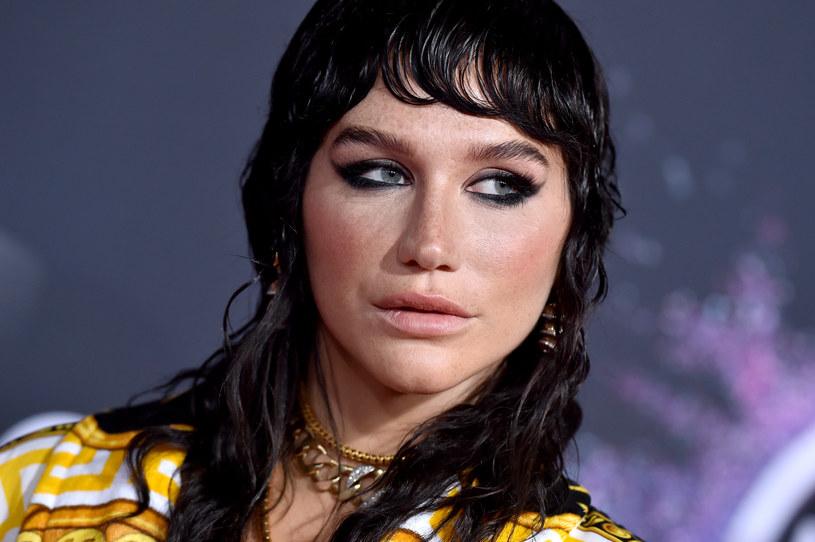 Sąd w Nowym Jorku wydał wyrok w sprawie Keshy i Dr. Luke'a. Uznano, że wokalistka zniesławiła producenta, oskarżając go o to, że zgwałcił Katy Perry. To jednak nie koniec sądowej batalii.