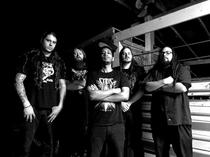 Progresywni deathmetalowcy z florydzkiego Monotheist opublikowali nowy singel.