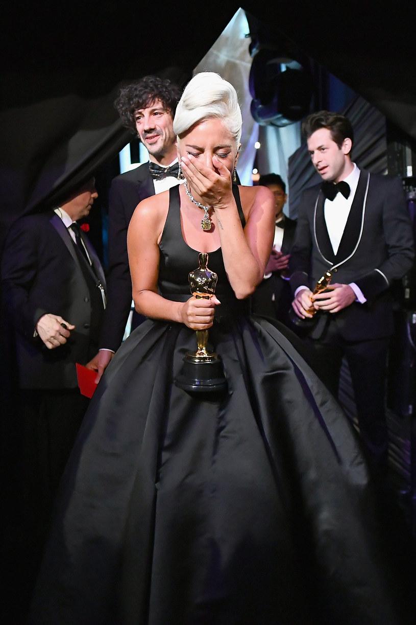 W  nocy z niedzieli na poniedziasłek amerykańska Akademia nagrodzi Oscarami twórców i artystów z branży filmowej. Ci, którzy dostaną statuetkę, przejdą do historii i zyskają jeszcze większą sławę. Ale nawet przegrani nie wrócą do domu z pustymi rękami. Wszyscy nominowani otrzymają bowiem prezenty o wartości 225 tys. dolarów.