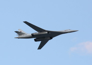 Rosja uzbroi ponaddźwiękowe bombowce Tu-160 w hipersoniczne rakiety
