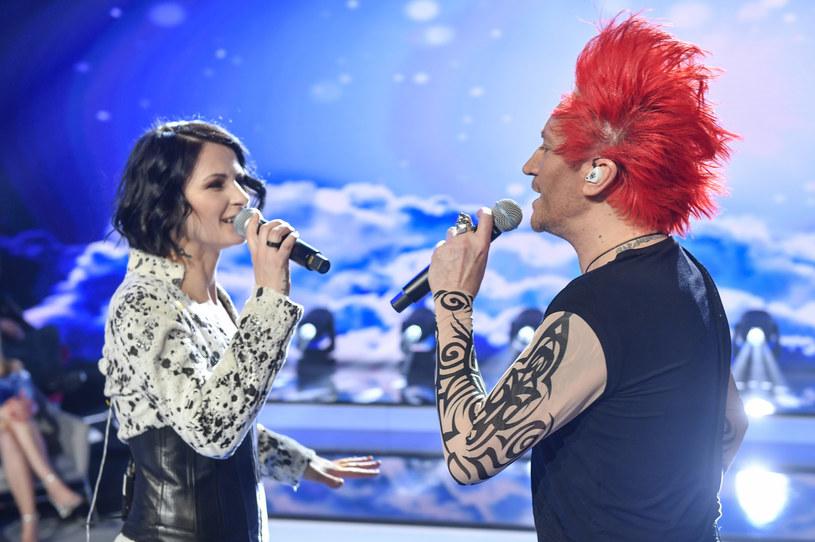W niedzielę, 8 marca Michał Wiśniewski wyjawił, kto będzie nową wokalistką Ich Troje. Jak się okazało, za mikrofonem stanie współpracująca już wcześniej z zespołem Ania Świątczak. Z tej okazji przeszła niesamowitą metamorfozę.