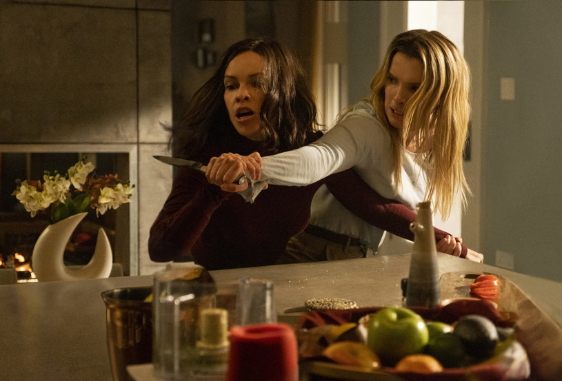 """""""The Hunt"""", kontrowersyjny thriller z Hilary Swank w roli głównej, trafi do kin w marcu. Dystrybucja filmu została wcześniej wstrzymana ze względu na strzelaniny, do których dochodziło w ubiegłym roku w USA."""