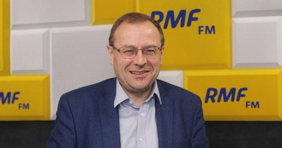 """""""Skala tej tragedii, która się wydarzyła była wielka. Dlatego podejrzewam, że Andrzej Duda może polecieć do Smoleńska na uroczystości 10. rocznicy katastrofy"""" - mówi gość Marcina Zaborskiego w RMF FM prof. Antoni Dudek. Jednocześnie podkreśla: ta rocznica nie będzie wygodna dla PiS. """"Zaczną się pytania na jakim etapie jest """"dochodzenie do prawdy"""" w sprawie tego, co wydarzyło się w Smoleńsku"""" - mówi."""