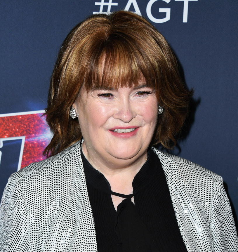 """Znana z programu """"Mam talent"""" Susan Boyle w ostatnim czasie zaczęła być aktywniejsza w mediach. Wszystko z powodu nadchodzącej trasy koncertowej, która ma uczcić 10 lat jej działalności scenicznej. Kolorowej prasie opowiedziała m.in. o swoich związkach."""