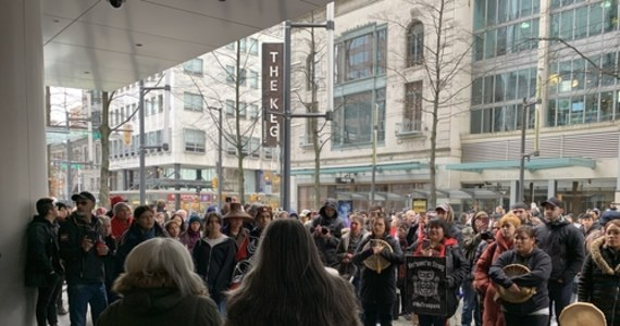 Premier Kanady Justin Trudeau obiecał rozmowy Indianom protestującym przeciwko budowie gazociągu w prowincji Kolumbia Brytyjska. Od tygodnia narastają protesty Indian Wet'suwet'en i wspierających ich grup.