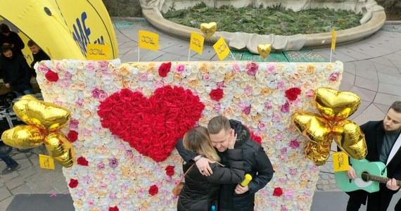 Z okazji walentynek - dla zakochanych - i nie tylko, na Placu Szczepańskim w Krakowie czekała moc atrakcji. 14 lutego plac zamienił się w miejsce dla zakochanych. Zobaczcie zresztą sami!