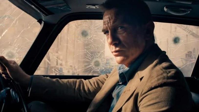 """W sieci pojawił się kolejny materiał zapowiadający zbliżającą się premierę nowego filmu o przygodach Jamesa Bonda """"Nie czas umierać"""". Tym razem to krótki klip pokazujący pracę na planie, który komentuje reżyser - Cary Fukunaga."""