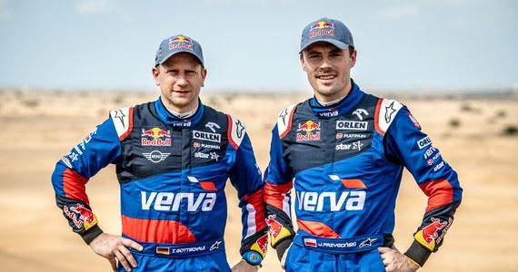 Kuba Przygoński i Timo Gottschalk przygotowują się do pierwszego startu w sezonie cross country 2020. Załoga ORLEN Team podczas zbliżających się zawodów w Katarze zasiądzie za kierownicą Toyoty Hilux. Pierwszy etap rajdu odbędzie się 23 lutego.