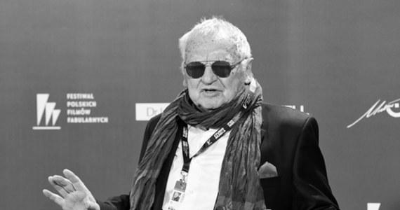 """Jerzy Gruza - reżyser i scenarzysta filmowy, telewizyjny i teatralny, aktor, twórca m.in. kultowych seriali """"Wojna domowa"""" i """"Czterdziestolatek"""" - zmarł w niedzielę w nocy w Warszawie. O śmierci reżysera poinformowało Stowarzyszenie Filmowców Polskich. Jerzy Gruza miał 87 lat."""