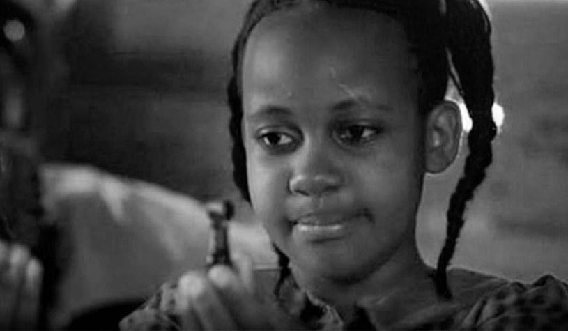 """Nie żyje Nikita Pearl Waligwa, jedna z gwiazd filmu Disneya """"Queen of Katwe"""" (2016). Młoda aktorka zmarła 15 lutego 2020 roku. Miała 15 lat."""