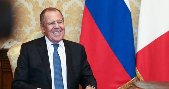 Rosja z zadowoleniem wita rezygnację z antyrosyjskiej retoryki przez takie kraje jak Francja, Niemcy, czy Włochy - wynika z wypowiedzi szefa rosyjskiej dyplomacji.