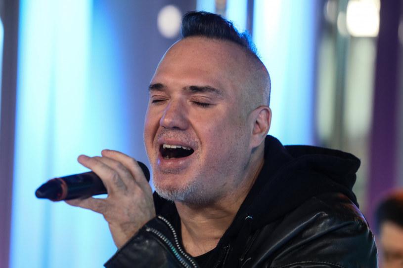 """Pod skróconą nazwą Carpe Diem Szymon Wydra z kolegami nagrał nowy utwór """"Intense"""" prezentujące mocniejsze oblicze."""