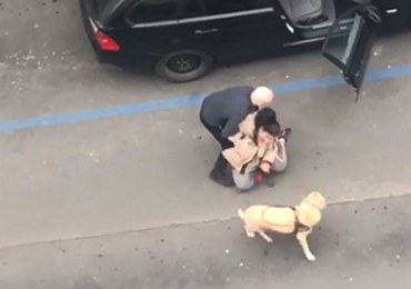 Siłą wyrzucił niewidomą pasażerkę z auta. Nie chciał jechać z psem przewodnikiem
