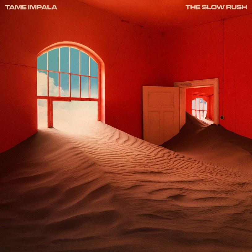 """Kevin Parker po pięciu latach od wydania poprzedniej płyty swojego projektu, Tame Impala, mierzy się z oczekiwaniami słuchaczy. Chociaż nie da się odmówić """"The Slow Rush"""" uroku, to muzyk nie zawsze wychodzi z tego starcia zwycięsko."""