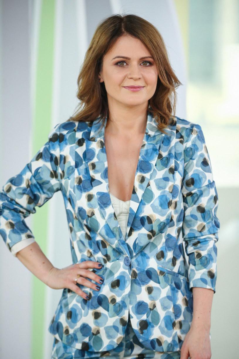 """W finale programu """"Szansa na sukces. Eurowizja 2020"""" Kasia Dereń zaprezentuje piosenkę """"Ufaj mi"""". Nagrania możemy posłuchać już w sieci."""