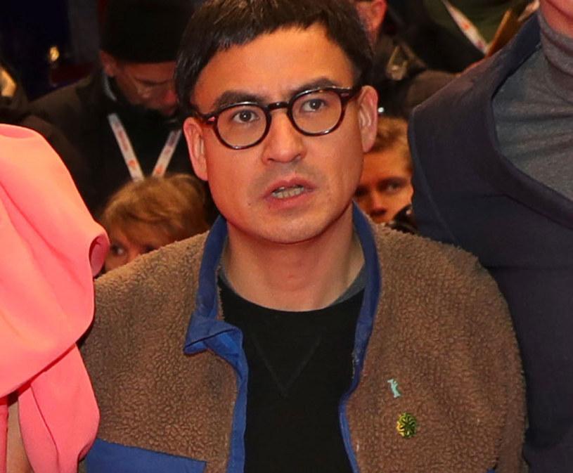 """Burhan Qurbani, którego najnowszy film """"Berlin Alexanderplatz"""" bierze udział w konkursie głównym 70. festiwalu filmowego w Berlinie, planuje nowy projekt. Jak dowiedział się portal ScreenDaily, urodzony w Niemczech reżyser afgańskiego pochodzenia zamierza nakręcić niemiecki odpowiednik """"Trzech kolorów"""" Krzysztofa Kieślowskiego."""