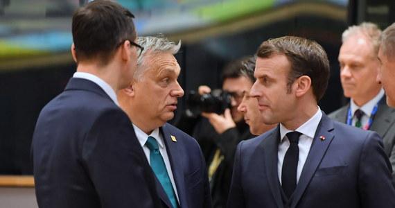W kuluarach szczytu mówiło się, że nie jest wykluczone powtórzenie zjazdu unijnych przywódców już w marcu. Nie można jednak wykluczyć, że ktoś, komu nie uśmiecha się negocjowanie po nocach zamiast snu, próbował wpłynąć na ścierających się o pieniądze uczestników. Mógłby to być na przykład prezydent Francji.