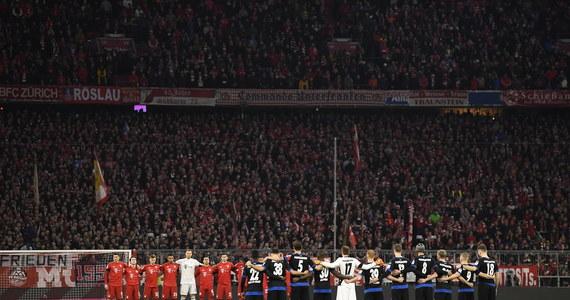Tragedia podczas meczu FC Bayern z SC Paderborn. Jak poinformował dziś klub z Monachium, w czasie wczorajszego spotkania na Allianz Arena na stadionie zasłabła 14-miesięczna dziewczynka. Dziecko zmarło w szpitalu.