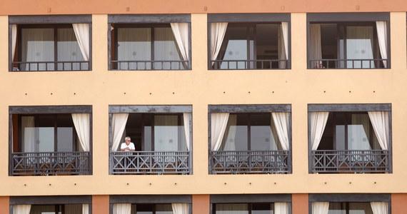 U czterech osób, przebywających w zamkniętym od wtorku hotelu w Adeje na południu Teneryfy, potwierdzono koronawirusa. W odciętym od świata hotelu przebywa 1000 osób, w tym goście z Polski.