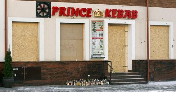 Na 12 lat więzienia skazał Sąd Apelacyjny w Białymstoku Tunezyjczyka, oskarżonego o zabójstwo 21-latka koło baru z kebabem w Ełku w Warmińsko-Mazurskiem. Sąd odwoławczy utrzymał karę, choć uznał, iż sprawca nie miał bezpośredniego zamiaru zabójstwa. Orzeczenie jest prawomocne.