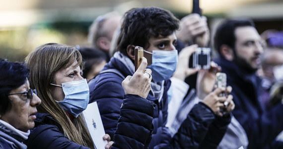 """We Włoszech są dwa ogniska koronawirusa i nie ma dowodu na istnienie """"pacjenta zero"""", od którego zaczęła się fala zarażeń - taką informację przekazał minister zdrowia Roberto Speranza w Izbie Deputowanych. Przekonywał, że kraj upora się z kryzysem."""