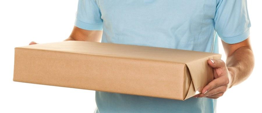 """""""Osoby otrzymujące paczki z Chin nie są narażone na zakażenie się nowym koronawirusem"""" - uspokaja Główny Inspektorat Sanitarny. """"Koronawirusy są znane z tego, że nie przetrwają długo na przedmiotach takich jak listy lub paczki"""" – podkreślono w komunikacie."""