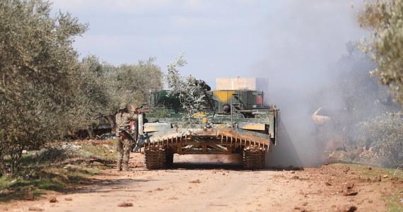 Władze Turcji ogłosiły, że jej siły rozpoczęły ofensywę wojskową w prowincji Idlib w północno-zachodniej Syrii. Turcja zapewnia, że to odpowiedź na ataki żołnierzy syryjskich, w wyniku których zginęło kilkudziesięciu Turków.