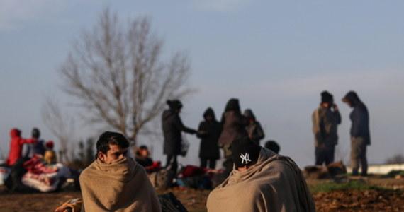 Po południu odbędzie się nadzwyczajne posiedzenie unijnych ambasadorów. Poświęcone będzie sytuacji na granicy grecko–tureckiej w związku z przybyciem tam około 13 tysięcy imigrantów, po tym jak tureckie władze otworzyły swoje granice z Unią Europejską.