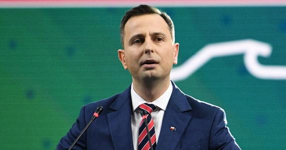 PKW zarejestrowała lidera PSL Władysława Kosiniaka-Kamysza jako kandydata na prezydenta; jest pierwszym zarejestrowanym kandydatem - wynika z informacji na stronie Komisji. Aby zarejestrować kandydata w wyborach prezydenckim, trzeba zebrać minimum 100 tys. podpisów z poparciem.