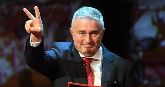 Dopóki walczysz, dopóty masz szansę na zwycięstwo - tak o dzisiejszym wyroku sądu mówi Władysław Frasyniuk. Dawnego opozycjonistę antykomunistycznego prokuratura oskarżyła o naruszenie nietykalności cielesnej policjantów podczas miesięcznicy smoleńskiej w 2017 roku. Sąd pierwszej instancji uznał go za winnego, ale sąd odwoławczy uchylił wyrok.