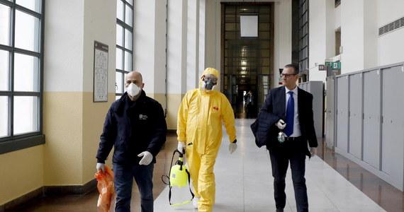 We Włoszech zmarło już 79 osób zarażonych koronawirusem - poinformował szef Obrony Cywilnej, nadzwyczajny komisarz ds. kryzysu Angelo Borrelli. Poprzedni bilans z poniedziałku to 52 ofiary śmiertelne epidemii. Zanotowano dotąd ponad 2500 zarażeń.