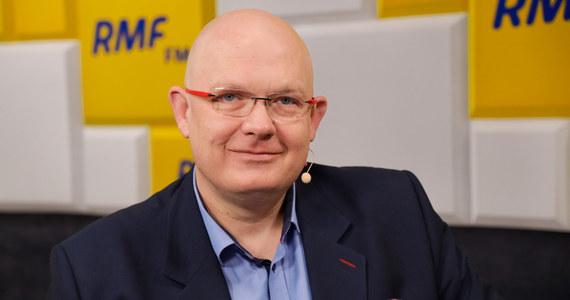 """""""To musiało się zdarzyć""""- mówi Michał Gramatyka,  poseł PO  i szef sztabu organizacyjnego Małgorzaty Kidawy-Błońskiej, pytany o pierwszy, potwierdzony przypadek koronawirusa w Polsce. Na pytanie, czy w tej sytuacji należałoby zakazać spotkań z kandydatami na prezydenta, zaznacza: Nie sądzę, nie dajmy się zwariować."""