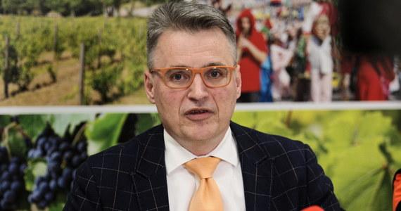 Imprezy masowe, które są zaplanowane w najbliższych dwóch tygodniach, zostaną odwołane - poinformował prezydent Zielonej Góry Janusz Kubicki. Wyjaśnił, że jest to element zapobiegawczy. Miasto na dzień dzisiejszy jest bezpieczne i przygotowane - zapewnił.