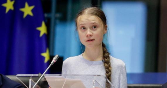 """""""Przedstawiony przez Komisję Europejską projekt prawa klimatycznego to fiasko. Gdy dom płonie to nie można odkładać jego gaszenia o kilka lat""""- mówiła na posiedzeniu komisji ds. środowiska Parlamentu Europejskiego szwedzka aktywistka Greta Thunberg."""