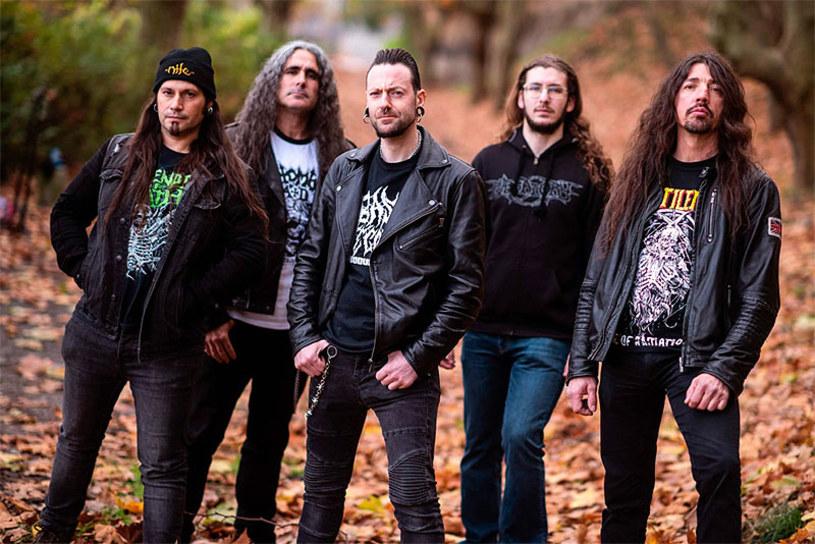 Weterani hiszpańskiej sceny deathmetalowej z formacji Aposento wydadzą na początku maja trzeci album.