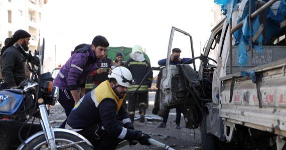 Turecka armia zabiła 21 żołnierzy syryjskich sił rządowych, a także zniszczyła dwa działa i dwie wyrzutnie rakiet - poinformowała w piątek nad ranem agencja Anatolia, powołując się na ministerstwo obrony Turcji.