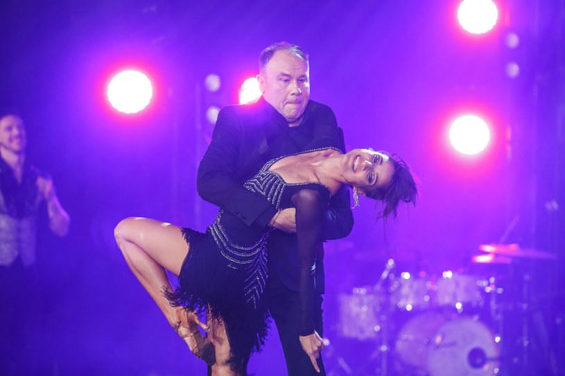 """Bogdan Kalus, aktor znany m.in. z serialu """"Ranczo"""", gdzie przez lata sączył Mamrota, połączył siły z Lenką Klimentovą. Oboje chcą sprawić, żeby ich taneczne popisy wywoływały u jury i widzów szeroki uśmiech."""