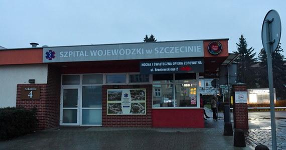 Dwoje pacjentów z potwierdzonym zakażeniem koronawirusem jest w stanie stabilnym – poinformowały w niedzielę służby prasowe szczecińskiego szpitala wojewódzkiego.