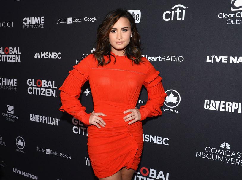 """""""I Love Me"""" to drugi singel, który Demi Lovato wydała w tym roku. Nowy numer doczekał się tez klipu, w którym poukrywano kilka interesujących szczegółów."""