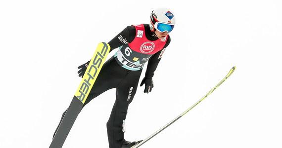 Kamil Stoch wygrał konkurs Pucharu Świata w skokach narciarskich w norweskim Lillehammer. Polak objął także prowadzenie w klasyfikacji cyklu Raw Air. Pozostałe miejsca na podium we wtorek zajęli Słoweńcy - Ziga Jelar i Timi Zajc.