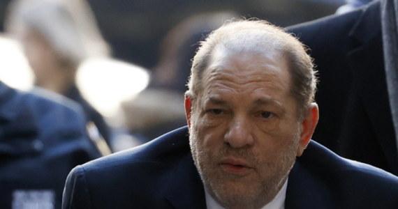 Były amerykański producent filmowy Harvey Weinstein został skazany przez sąd w Nowym Jorku na 23 lata pozbawienia wolności za gwałt i napaść seksualną.