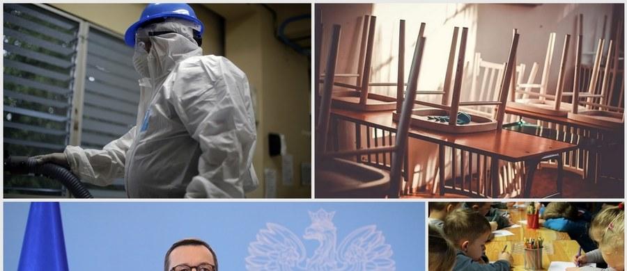 Potwierdzono kolejne przypadki zakażenia koronawirusem w Polsce. W środę wieczorem Ministerstwo Zdrowia poinformowało o 31 przypadkach zakażenia w całym kraju. Gdzie dokładnie? Sprawdź na naszych mapach. Również w środę premier Mateusz Morawiecki poinformował, że od poniedziałku zamknięte zostaną wszystkie szkoły i uczelnie wyższe, a także żłobki, przedszkola i kluby dziecięce. Rodzice w tym czasie będą mogli skorzystać z dodatkowego zasiłku opiekuńczego. Z uwagi na wzrost liczby zachorowań na nowego koronawirusa WHO ogłosiła, że mamy już do czynienia z pandemią. Co jeszcze wydarzyło się w środę? Sprawdź w Podsumowaniu Dnia RMF FM.