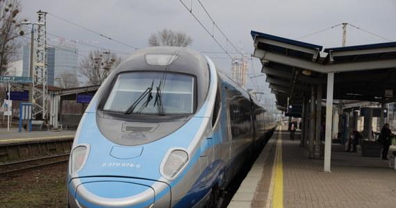 Od piątku wstrzymany zostanie ruch pociągów międzynarodowych na granicy polsko-słowackiej, a od soboty na granicy polsko-czeskiej - poinformował zastępca dyrektora Rządowego Centrum Bezpieczeństwa Grzegorz Świszcz.