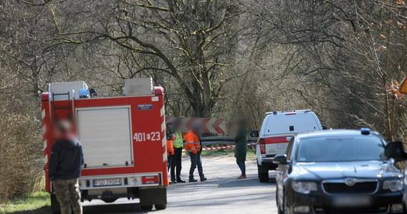 Do tragicznego w skutkach wypadku doszło w Starym Osiecznie koło Dobiegniewa w Lubuskiem. Auto, którym podróżowały cztery osoby, wpadło do rzeki. Wszyscy nie żyją. Informację w tej sprawie dostaliśmy od słuchacza na Gorącą Linię RMF FM.